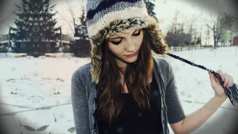 girl-face-beauty-winter-hat-fashionista-wallpaper
